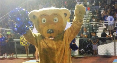 """""""Smelly"""" costume discourages Buster the Bruin from cheering at games"""